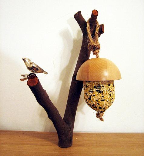 Diy acorn bird feeder for Acorn feeder
