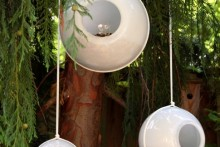 DIY-Glass-Shade-Bird-Feeder