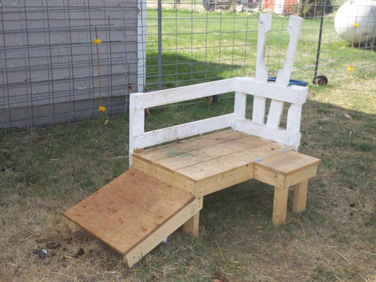 how to build a goat stanchion