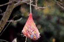 Onion-Bag-Nesting-Material-Dispenser