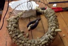 DIY-Slinky-Wreath-Squirrel-Feeder
