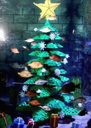 Diy lego aquarium christmas decor - Fish tank christmas decorations ...