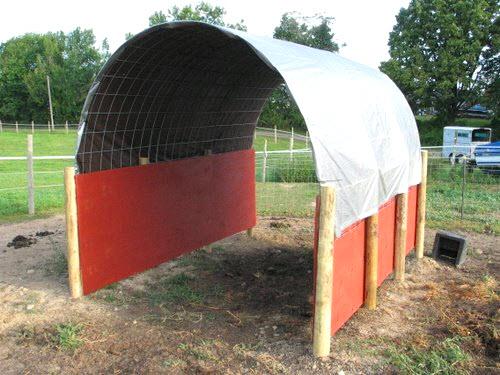 Diy Horse Shelter : Diy round run in shelter petdiys