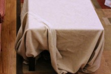 DIY-Blanket-Table-Fort