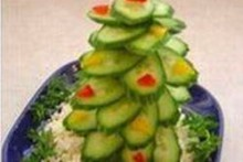 DIY-Cucumber-Christmas-Tree