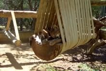 DIY-Big-Cat-Swing-Set