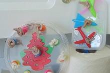 Plastic-Lid-Bird-Toy
