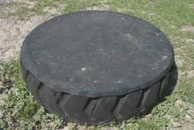 Tire-Horse-Pedastal